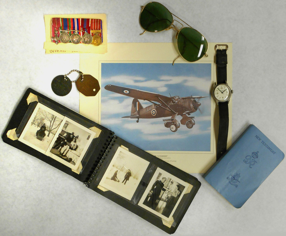 WWII Armed Forces Personal items